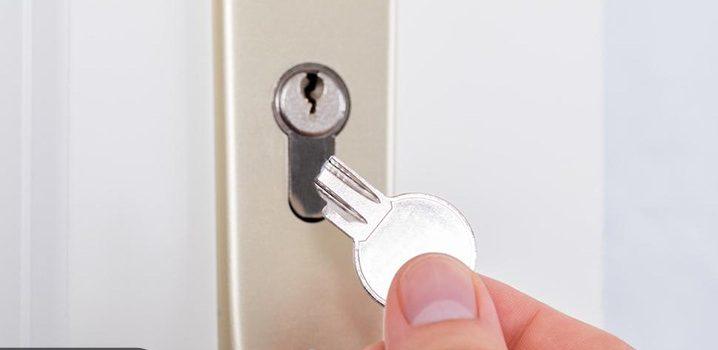 شکسته شدن کلید در قفل