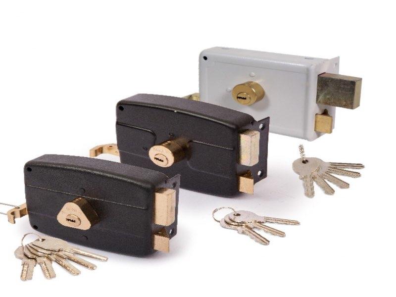 قفل مکانیکی در مقابل قفلهای دیجیتال